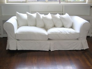 What Factors To Consider When Looking at a New Couch